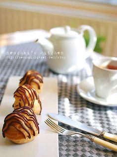 【甜點】泡芙,香草鮮奶油內餡,巧克力醬topping @ 妞仔大驚小怪倫敦日記 :: 痞客邦 PIXNET ::