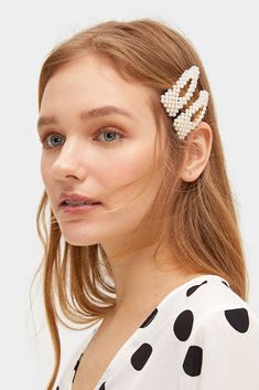 How To Style Hair Clips - Hair Clip Trend 2019 - Poor Little It Girl