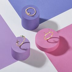 3 colours with jewellery. Rings on pillars creative set build photography in London Jewelry Ads, Photo Jewelry, Jewelry Branding, Jewelry Design, Jewellery Rings, Girls Jewelry, Paper Jewelry, Women Jewelry, Photography Accessories