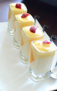 Affair: Vanilla Pannacotta with Mango Mousse. This can be made with real Whipping Cream and Stevia.for Atkins lovers!Whisk Affair: Vanilla Pannacotta with Mango Mousse. This can be made with real Whipping Cream and Stevia.for Atkins lovers! Italian Desserts, Just Desserts, Delicious Desserts, Yummy Food, Gourmet Desserts, Stevia Desserts, Jelly Desserts, Mango Dessert Recipes, Elegant Desserts
