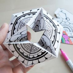 Free Printable Kaleidocycle Paper Toys for you to DIY. Learn how to make your own by following this simply tutorial!