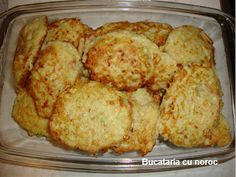 Chiftele de dovlecei - Bucataria cu noroc Romanian Food, Romanian Recipes, Cauliflower, Pancakes, French Toast, Muffin, Vegetables, Cooking, Breakfast