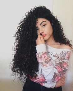 27 Unbelievable Hair Bundles With Frontal Brazilian Hair Bundles Body Wave Natural Hair Care Tips, Natural Hair Styles, Long Hair Styles, Long Curly Hair, Curly Girl, Curled Hairstyles, Pretty Hairstyles, Curly Hair Drawing, Crimped Hair
