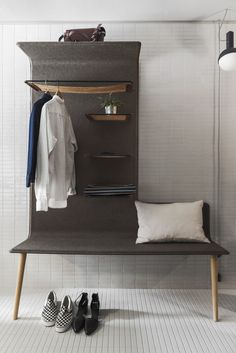 Felt-lined shelf bench Hobo Hotel Stockholm designed by Studio Aisslinger. Felt-lined shelf bench Hobo Hotel Stockholm designed by Studio Aisslinger. Design Room, Home Design, Hotel Bedroom Design, Small Bedroom Designs, Design Hotel, Small Bedrooms, Design Ideas, Design Design, Hotel Stockholm