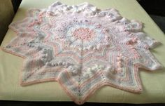 Round/star puffy/ripple baby blanket/afghan hand crochet