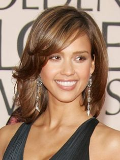love Jessica Alba's hair here. She is JUST gorgeous no matter what!