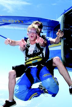 Ohhh yeah!  #paracaidismo #skydiving