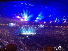 Forward Conference 2013 over 12,000 kids worshipping God!