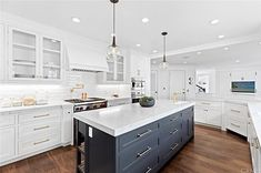 While cooking at home with my family has been fun, I'm dreaming of the day my counters are this sparkly white again! Living Room Grey, Living Room Decor, Decorating Tips, Decorating Your Home, Home Decor Australia, Outdoor Seating Areas, Newport Beach, Mid Century Design, Beach House
