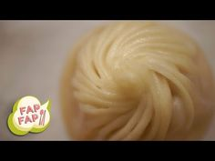 Din Tai Fung: The Perfect Soup Dumpling - YouTube I want this date! Taiwan for the week, why not?
