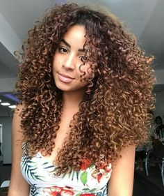"891 Likes, 5 Comments - Instablog Cachosjw (@amazingcurls) on Instagram: ""Booom Diiaaaa meus Amores com a Ray sempre Lindaaa #cachosjw #curls #cachos #instacurls…"""