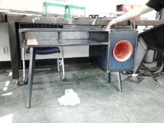 Projet étudiant : le bureau soundbow rétro par Jina U