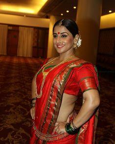 Indian Actress Photos, Indian Actresses, Beautiful Bollywood Actress, Beautiful Indian Actress, Marathi Saree, Nauvari Saree, Vidya Balan, Modern Outfits, India Beauty