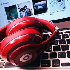 電腦跟音樂陪我享受下雨天:D-愛紗 Música de computadora conmigo, disfrutar de un día lluvioso: d-amor del hilado (Traducido por Bing)