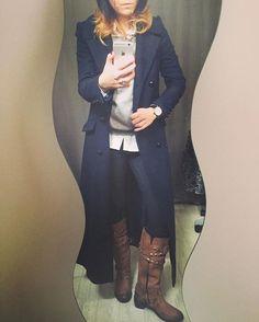 Ces jolies bottes en cuir sont à vendre dans mon dressing Vinted (Lien sur mon profil)➡️j'en profite pour les associer avec mon manteau fétiche #nafnaf #ootd #latergram #monlook #bottes #camel #avendre #vinted #lookdujour #manteauofficier #manteaulong #instalook #loveoutfit #lookoftheday #casualchic #bleumarine