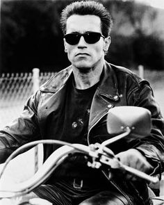 Terminator Judgment Day Photo - Terminator Funny - Terminator Funny Meme - - Photo: Terminator Judgment Day : The post Terminator Judgment Day Photo appeared first on Gag Dad. Arnold Schwarzenegger Movies, Arnold Schwarzenegger Bodybuilding, Terminator Movies, The Terminator, Men's Leather Jacket, Actrices Hollywood, Are You The One, Mens Sunglasses, Mens Fashion