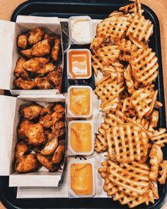 Bewitching Is Junk Food To Be Blamed Ideas. Unbelievable Is Junk Food To Be Blamed Ideas. Cute Food, I Love Food, Good Food, Yummy Food, Tasty, Sleepover Food, Junk Food Snacks, Food Goals, Aesthetic Food