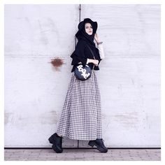 Moda Vintage Casual Hats Ideas For 2019 Muslim Fashion, Ootd Fashion, Modest Fashion, Skirt Fashion, Fashion Outfits, Runway Fashion, Hijab Casual, Hijab Style, Hijab Outfit