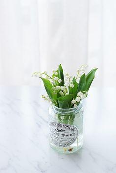 【春の花色配色】白&若草色 贈られた人に幸せが訪れる♪スズランの日の花あしらいのコツ