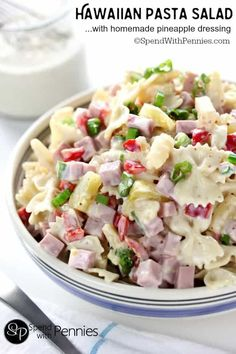 Hawaiian Pasta Salad is literally one of the most delicious cold pasta salad recipes! Pasta combined with ham and sweet pineapple and tossed with a delicious homemade dressing is the perfect combination! Soup And Salad, Salad Bar, Fruit Salad, Hawaiin Pasta Salad, Shrimp Pasta, Bow Pasta Salad, Hawaiian Salad, Hawaiian Pizza, Cold Shrimp Salad Recipes