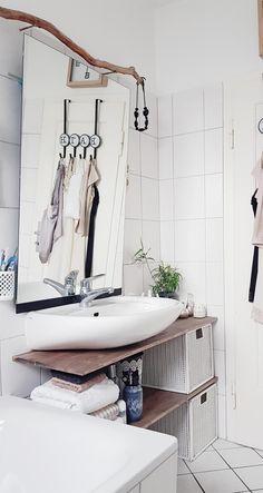 # Small space # Minibad # bathroom # # diy shelf - Sweet Home - Shelves Diy Bathroom, Bathroom Kids, Shelves, Small Spaces, Diy Shelves, Diy Apartments, Small Bathroom, Bathroom Decor, Couch Styling