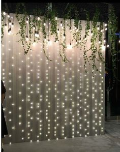Legend DIY sheer curtain backdrop with fairy lights - Dekoration Hochzeit - Wedding Dekorations Wall Backdrops, Backdrop Ideas, Diy Photo Backdrop, Ceremony Backdrop, Booth Ideas, Wedding Backdrops, Head Table Backdrop, Backdrop With Lights, Wedding Flower Backdrop