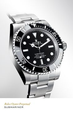 Rolex Submariner 40 mm in 904L steel with a rotatable graduated black ceramic bezel, black dial and Oyster bracelet. #RolexOfficial