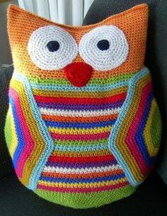 Zelfgemaakt ! haakwerkjes en meer...: Patroon Mega-uil, #haken, gratis patroon, Nederlands, kussen, decoratie, #haakpatroon Owl Crochet Patterns, Crochet Owls, Crochet Stars, Crochet Amigurumi, Crochet Cushions, Crochet Pillow, Crochet Home, Crochet Gifts, Crochet Animals