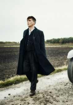 Peaky Blinders: Season 3 (stills via farfarawaysite)