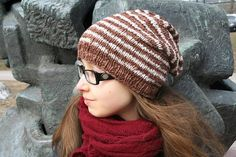 Raiteilla slouch in UllaNeule - easy basic slouch made from cotton yarn. This would be nice for me in purple tones. Knitted Hats, Crochet Hats, Caps Hats, Hue, Ravelry, Knitting, Purple, Pattern, Cotton