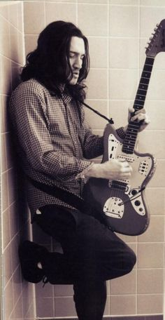 John Frusciante the man that gave red hot chill peppers their own sound and there best albums...tc