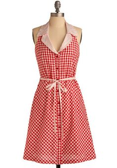 love this 50s style dress.  perfect for a picnic!