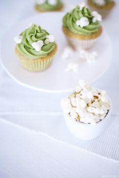 Herzkuchen: Bananen-Matcha-Cupcakes mit Popcorn