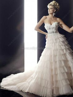 A-line Sweetheart Tulle Sweep Train Appliques Wedding Dresses