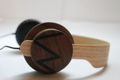 Wooden headphone handmade in the Netherlands. by Woodniels on Etsy