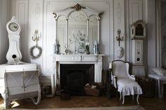 Keltainen talo rannalla: Valkoinen ja romanttinen koti