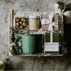 DIY Personalized Gift Baskets DIY Personalized Gift Basket For Anyone, Girlfriend, Kids, Mom Etc - Owe Crafts Diy Gift Baskets, Christmas Gift Baskets, Gift Hampers, Diy Christmas Gifts, Holiday Gifts, Basket Gift, Xmas, Tea Gifts, Baby Gifts