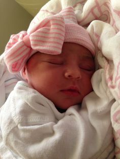 55e726101da How to make a newborn hospital hat with a bow( so doing this if we ...