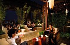 This sleek, modern bar offers one of the best views of the Macau skyline http://hk.dining.asiatatler.com/bars/38-lounge