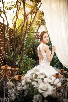 Korean Pre-Wedding Photography #KoreanWedding #Dress #WeddingDress