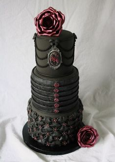 Gothic wedding cake — Round Wedding Cakes (I would change the middle tier to a corset and the bottom done in lace) Gorgeous Cakes, Pretty Cakes, Amazing Cakes, Goth Cakes, Gothic Wedding Cake, Red Wedding, Skull Wedding, Medieval Wedding, Cake Art