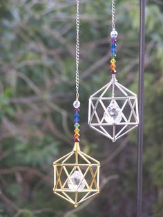 * Making these but with straws, beads, and string * 7 Chakras, Hanging Crystals, Diy Crystals, Craft Tutorials, Diy Projects, Crafts To Make, Diy Crafts, Humming Bird Feeders, Beads And Wire