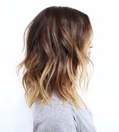 Slightly tousled and effortless waves that you just want to run your fingers through #hairgoals
