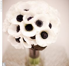 Love this white anemones bouquet