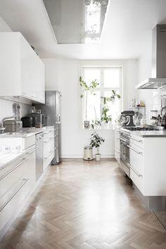 Home Interior Modern .Home Interior Modern Scandinavian Interior Design, Home Interior, Kitchen Interior, New Kitchen, Kitchen Decor, Scandinavian Kitchen, Interior Colors, Kitchen White, Interior Modern