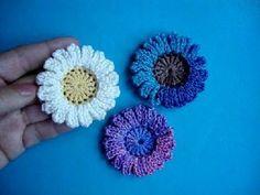 ▶ Вязаные цветы Урок 40 Сrochet flower pattern - YouTube. molto bello con scritte anche in inglese.