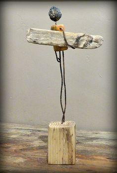 surf art by Mutoz inc - Jungs bssteln - Driftwood Sculpture, Driftwood Art, Sculpture Art, Sculptures, Articles En Bois, Driftwood Projects, Junk Art, Wood Creations, Assemblage Art