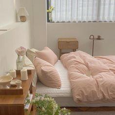 Room Ideas Bedroom, Bedroom Decor, Bedroom Inspo, Minimalist Room, Aesthetic Room Decor, Dream Rooms, My New Room, House Rooms, Room Inspiration