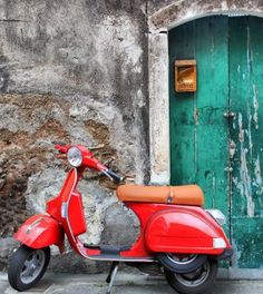 Happy birthday to the Vespa, the iconic symbol of Italy's la dolce vita. The Vespa scooter just turned 70 and it looks better than ever with a resurgence of popularity evidenced by seeing its sales triple in the past ten years. Studio Background Images, Background Images For Editing, Black Background Images, Photo Background Images, Newspaper Background, Hd Background Download, Picsart Background, Bug Out Vehicle, New Backgrounds
