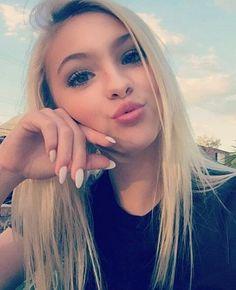 Jordan Jones Snapchat Jordans Famous People Mars Dancer Selfie Beauty March Kayla Okay  C2 B7 Blonde Teens  C2 B7